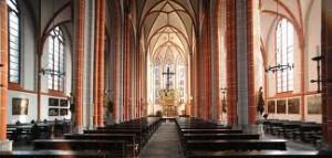 2013_08_25_Kircheinnen