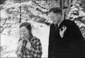 Elisabeth Ruby mit Karl Leisner 1937 im Schwarzwald. Foto: Maria Leisner