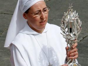 2014_09_19_Blut_Papst