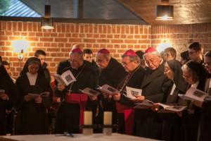 v. l. Erzbischof Hippolyte Simon, Bischof Dr. Felix Genn, Bischof Dr. Heinrich Mussinghoff, Bischof Dr. Walter Johannes Mixa im Karmel Heilig Blut