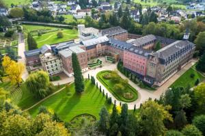 Luftaufnahme/Kloster Arenberg