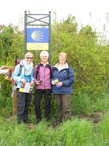 Diese Pilgerinnen begaben sich am 9. Mai 2015, einen Tag nach der Eröffnung, auf den Weg von Münster nach Wesel. Ein Bericht, angereichert mit Notizen aus Karl Leisners Tagebuch, folgt zu einem anderen Termin.