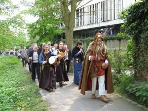 auf dem Weg zur Propsteikirche