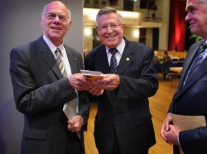 ¥ KEV: CDU-Jahresempfang Kreis Klevege (19:00)   Kevelaer, Konzerthaus, Bury St. Edmunds-Stra§e 5, Es kommen Prof. Dr. Norbert Lammert bekommt von Werner Stalder ein Buch Ÿber Karl Leisner Ÿberreicht