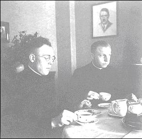 Karl Leisner und Heinrich Tenhumberg bei Familie Dolff