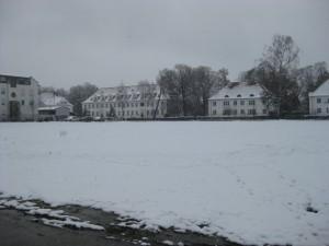 Das unbebaute Gelände mit Blick auf die Straße der KZ-Opfer, durch das der Karl-Leisner-Weg führen wird