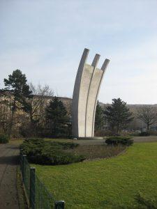 Luftbrückendenkmal vor dem Tempelhofer Feld